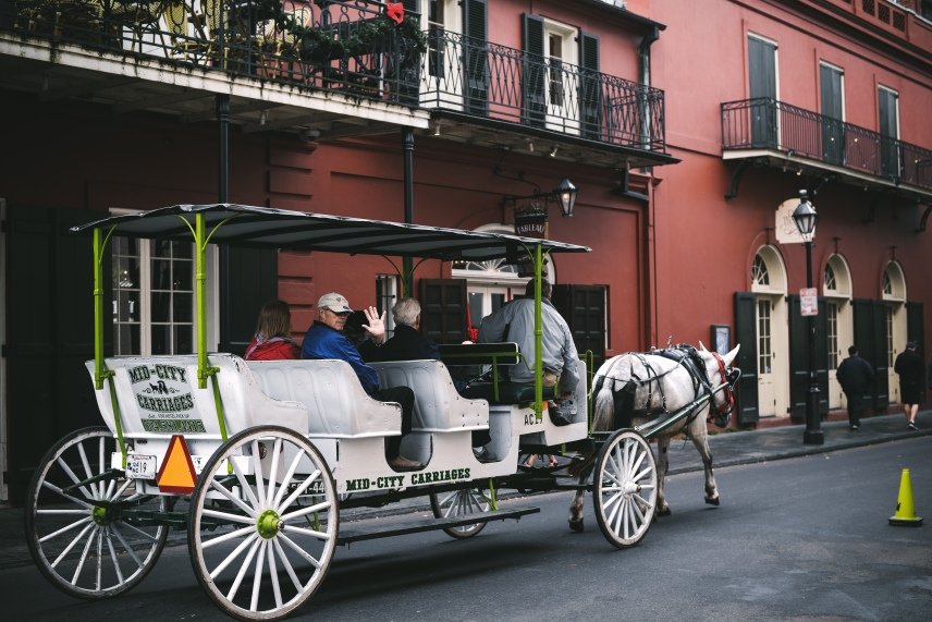 French quarter new orleans recommend visit. Cabildo history retro view